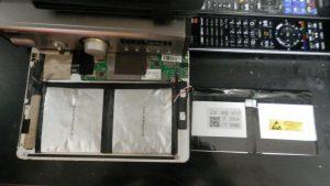 Teclast x98の膨らんだ電池と交換電池