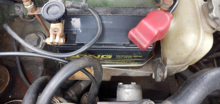 NNOCENTI MINI 120SLに秋月のバッテリを取り付け